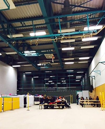 Zum 31. Januar 2017 soll die Kiriat-Bialik-Sporthalle freigezogen werden. Die letzten der ehemals 200 BewohnerInnen können in sehr wohnliche neue Unterkünfte umziehen.